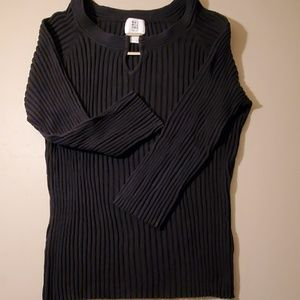 Black silk ribbed top with square silver accent